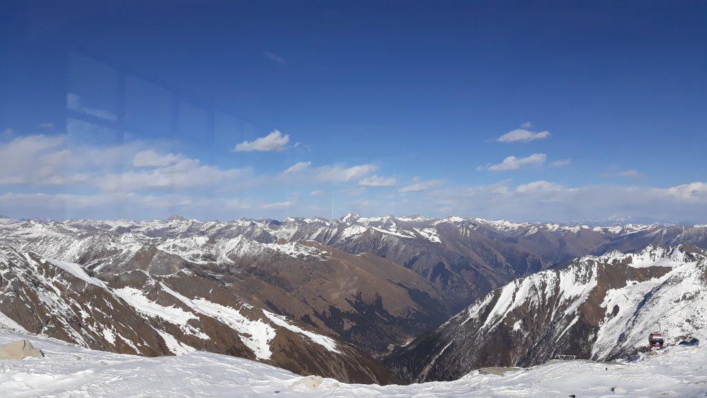 สันหลังมังกร ภูเขาหิมะการ์เซีย
